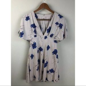 Free People Deep V-neck Floral Tunic ~Size 0~